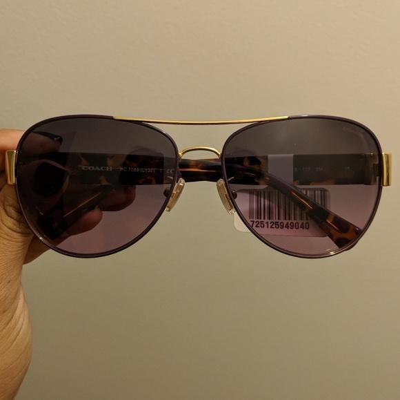d5c8165f57 Coach aviator sunglasses